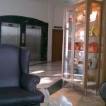 Expositor de los productos Espurna en el Hotel principal Gandia