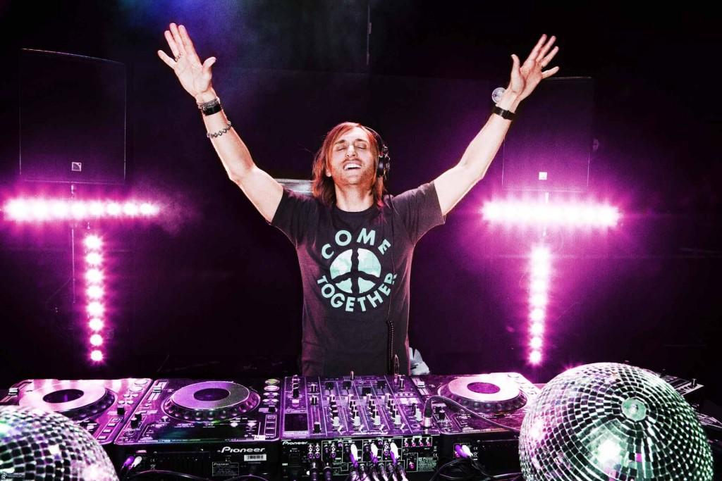 2015-David-Guetta-2
