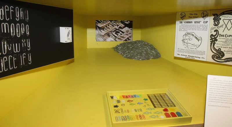 Foto de objetos exposicion la caixa actividades en Gandia julio 2017
