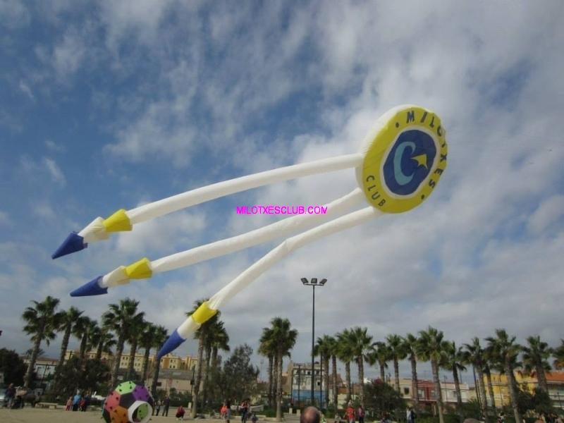 Cometas del milotxes club parte de las actividades en Gandia playa julio 2019