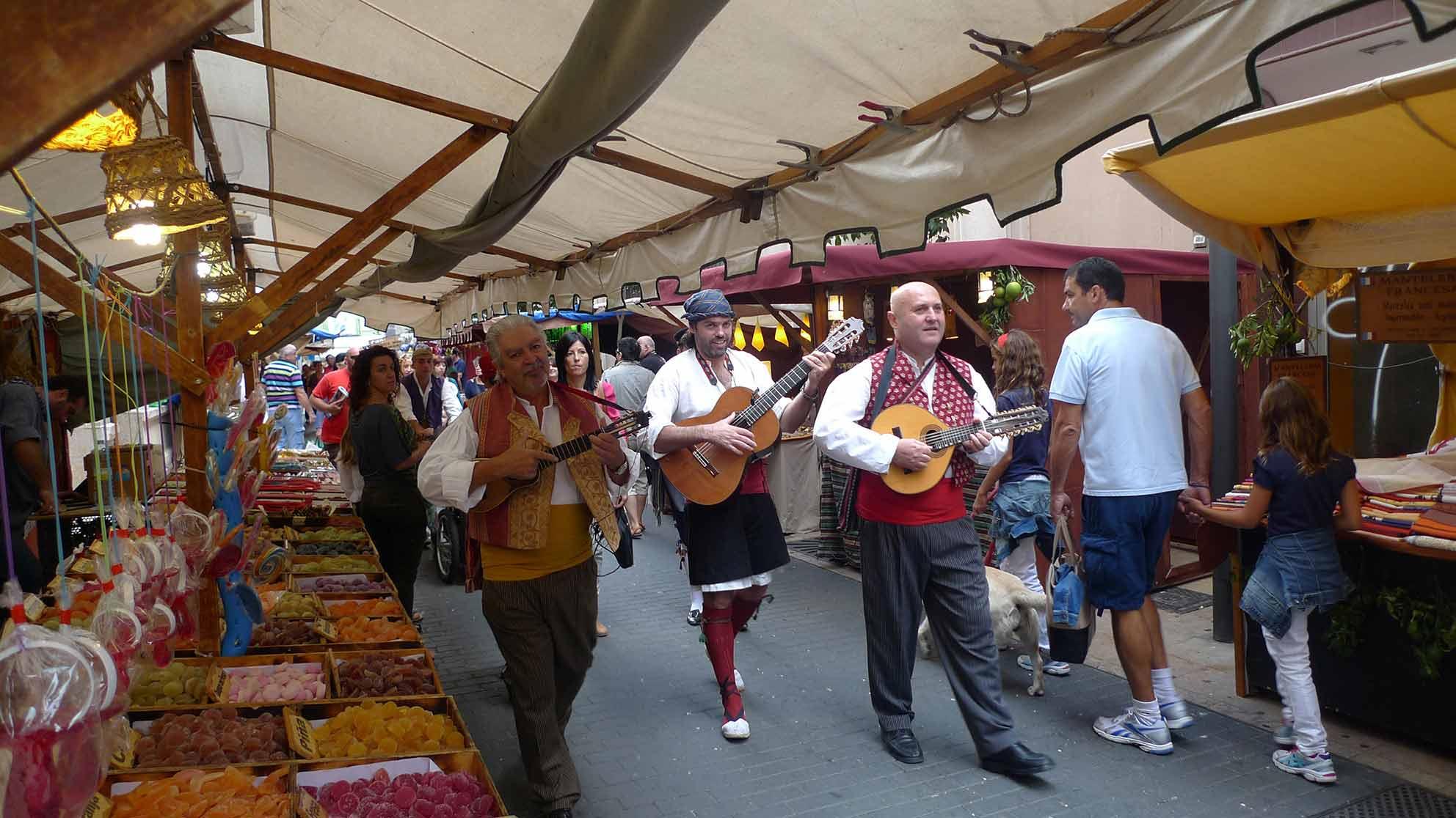 Foto de mercado como el de las fiestas Gandia 2019